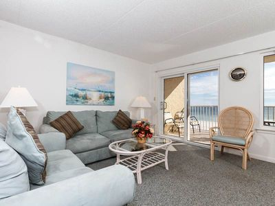 Photo for Open, airy condo, Great views, Close to dining
