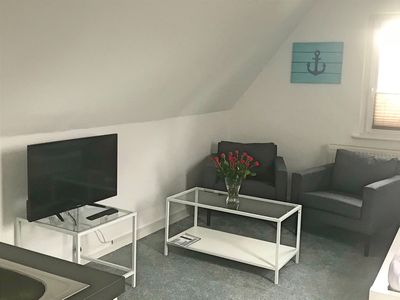 Photo for Modern top floor apartment, Hamburg North-West, FREE Wifi