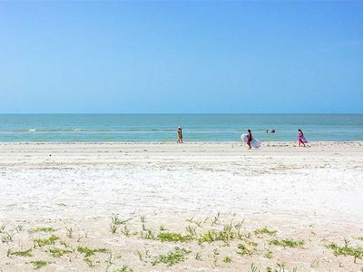 Photo for Paradise Point, 3 Bedrooms, Pets, Gas Grill, WiFi, Water Front, Sleeps 10