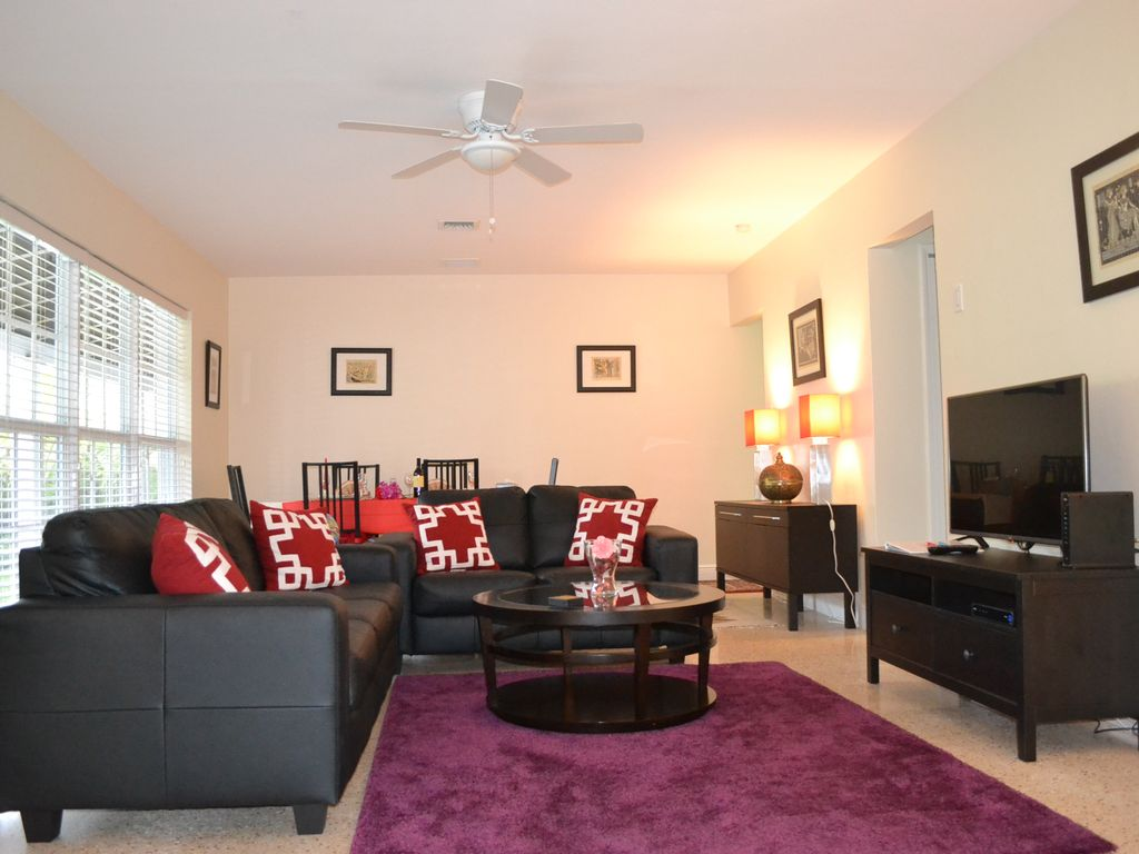 Luxurious Villa Tunis Two Bedroom Apartment At Villa Tunis Fort Lauderdale Florida South