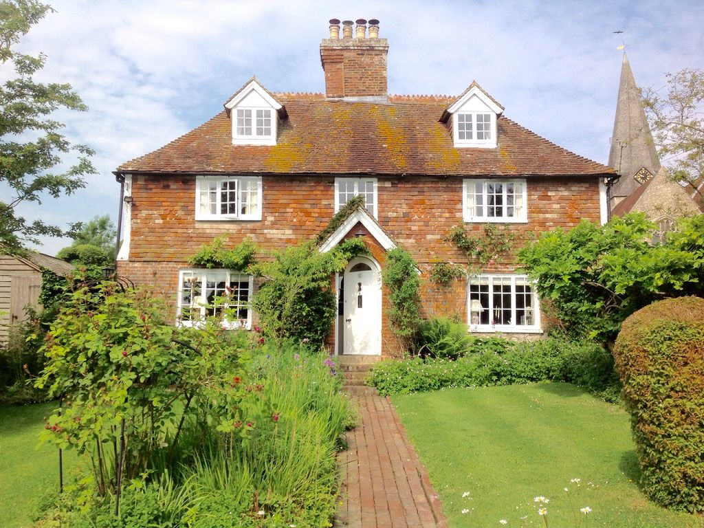 Listed 17th Century Cottage In Pretty Kentish Village