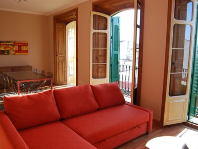 Photo for Spacious and bright apartment in historic Málaga