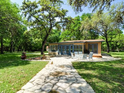 Relax among the oaks! Make new memories in... - VRBO