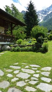 Photo for Fully equipped studio in a quiet cottage. Private garden