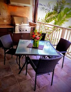 Spacious lanai with Viking BBQ
