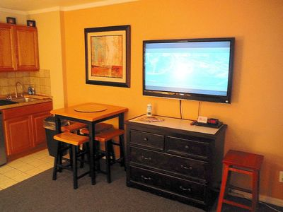 Large TV's in Bedroom and Living Room with FREE wifi, cable, and local calls