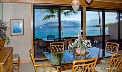 Photo for Cozy island-inspired home with oceanfront lanai!