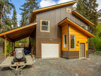 Photo for Contemporary home w/ large deck & mountain/forest views - walk to lifts!