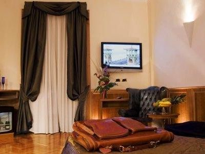 Photo for 5BR Apartment Vacation Rental in Roma