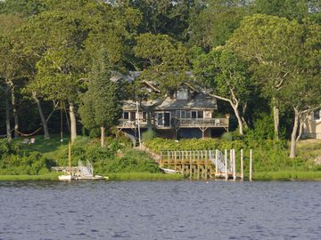 Large Waterfront House - Spectacular SW Facing with Dock