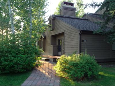 Photo for Bright condo w/ access to a shared pool, hot tub, & sauna - close to skiing