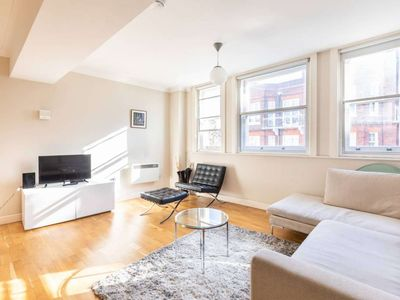 Photo for Spacious two bedroom apartment in South Kensington, Central London