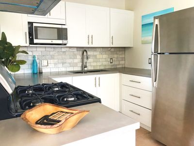 Photo for Clearview Villas (LOWER): Casual, Bright, Steps from Sea, Great for families!