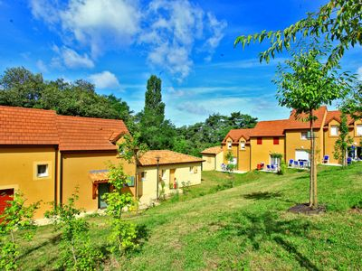 Photo for Vacation home Les Coteaux de Sarlat (LAE401) in Sarlat-la-Canéda - 6 persons, 2 bedrooms