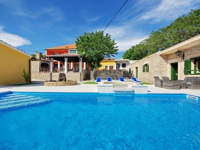 Photo for Villa Zvonko, 4 bedrooms, 10 people, 2 kitchen, private pool, barbecue, nature