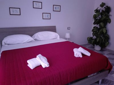 Photo for Lovely apartment up to 6 seats in Napoli Centrale