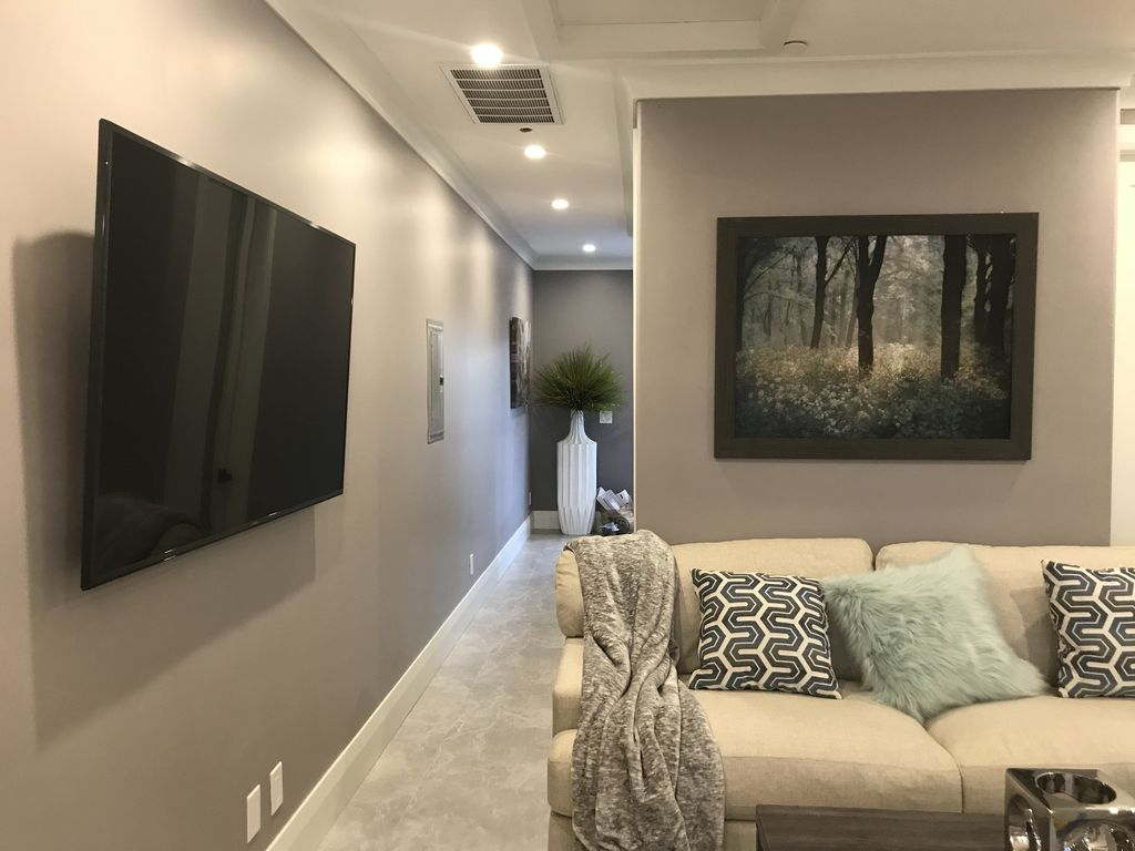 BRAND NEW 10 18 BEAUTIFUL HOME 3 Mil Fr DISNEYLAND CONVENTION CTR