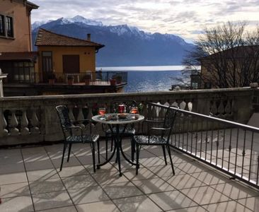 Photo for Via Como apartment in town centre, 2 bedrooms sleeps 6, terrace with lake view