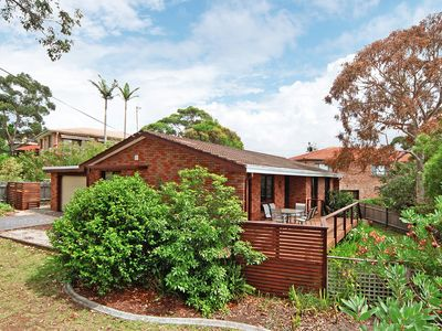 Photo for The Family Spot - Vincentia - ONLY 2 MINS TO NELSONS BEACH,  WIFI, AIR CON