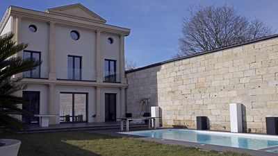 Photo for Luxurious villa with heated pool 5 bedrooms + 5 bathrooms - 10 people Bordeaux
