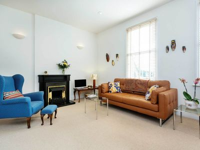 Photo for Simple yet stylish 1 bed apartment in the beautiful area of Hampstead (Veeve)