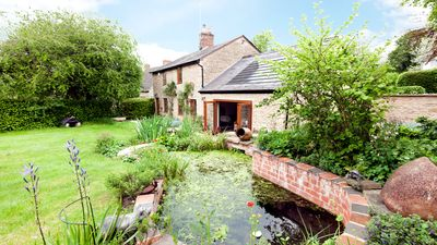 Photo for Cotswolds Cottage with beautiful garden in the lovely Cherwell Valley