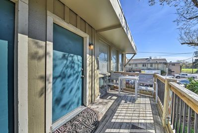 Located just minutes from downtown, this unit is the perfect home base.