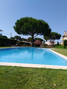 Photo for Escala Riells Blau 202: 1st in quiet residence, swimming pool, children's games, BBQ