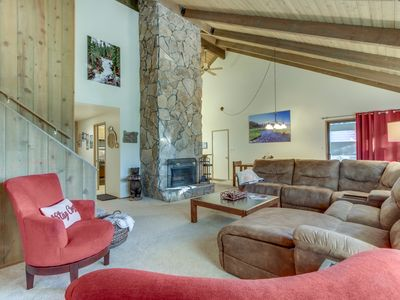 Photo for Lovely home w/ private hot tub & SHARC passes - 2 dogs welcome!