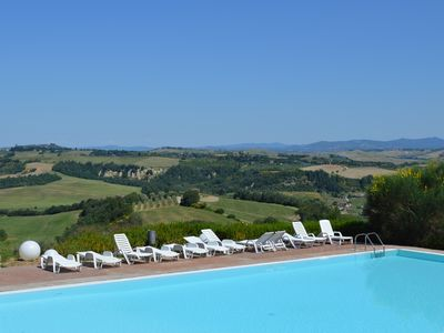 Photo for House with private terrace and exceptional view Crete Senesi