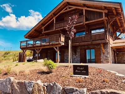 Photo for Chalet Perle Noire, Gerardmer lake view facing south, At the foot of the slopes, Sauna, Jacuzzi