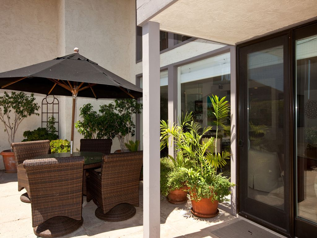 Peek ocean view 2 br condo in sunny solana beach solana for 190 del mar shores terrace solana beach ca