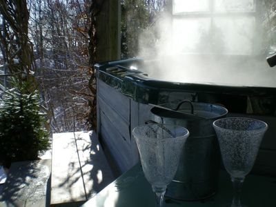 View water & sky from your private and sheltered hot tub