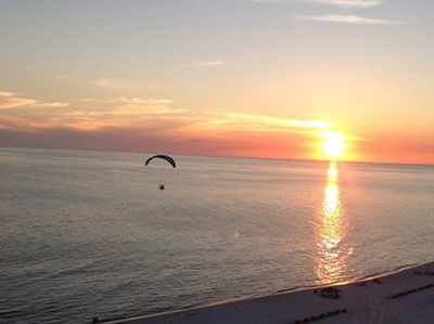 This ultra-light pilot had the same sunset view as from your balcony!