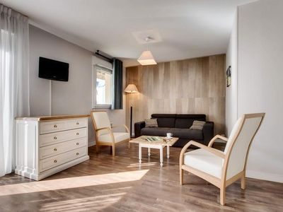 Photo for Domaine des Ormes - 2 Rooms 4/5 People
