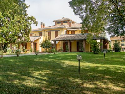 Photo for Spacious villa on estate with horse-breeding, with swimming pool and tennis court