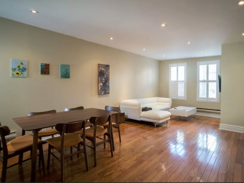 In The Heart Of Yorkville 3 Br Vacation House For Rent In