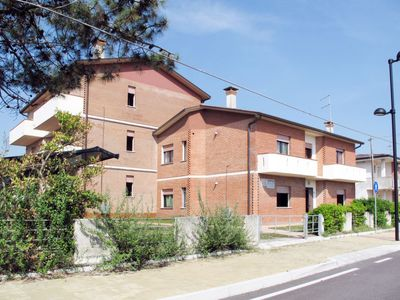 Photo for Apartment Jolanda (ROM180) in Rosolina Mare - 5 persons, 2 bedrooms