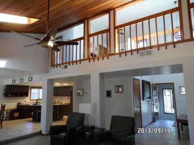Lovely 3 Bdrm Home W/ Loft.  90 Min To The Grand Canyon, 10 Min From Downtown