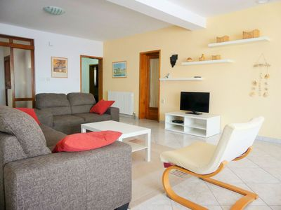Photo for Apartment Rebeka with sea view - comfort and pure relaxation!
