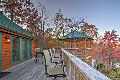 Your favorite spot to spend downtime will quickly become the expansive deck, where unbelievable mountain views can be seen.