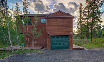 Photo for Dog Friendly Private Home with Garage,  Rock Fireplace, Large Deck! with Grill!