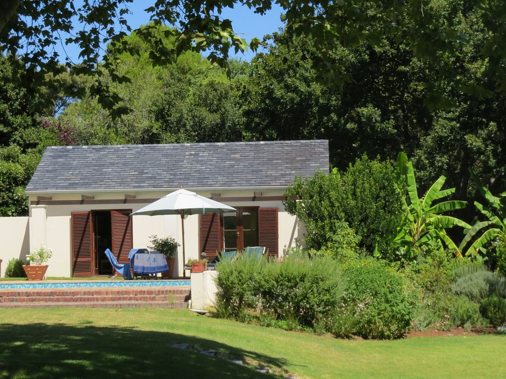 Self Catering Cottage Overlooking Swimming Pool In Large Landscaped Garden 1 Br Vacation