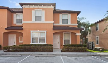 Recently Refurbished Luxury Florida Townhouse Located 3 Miles from Disney