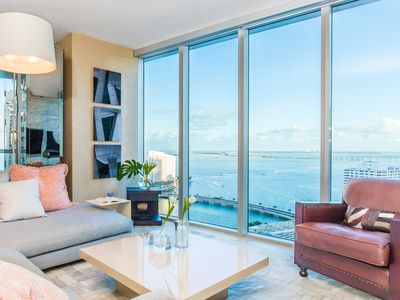 OVERLOOKING THE OCEAN, DELUXE, W BRICKELL, FREE: POOL, SPA, GYM, WI-FI