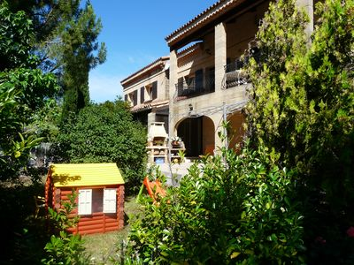 Photo for First floor of house, residential area with private pool in Provence