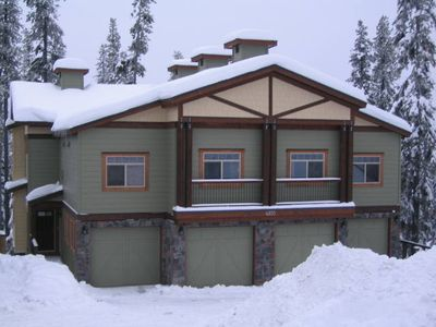 4 Bedroom 3.5 Bath Sleeps 12 with View of Ridge Rocket Chair Big White