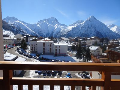 Photo for Large bright apartment, central, ski slopes, 6/8 people