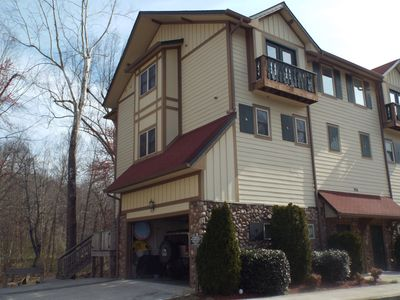 3200 Sq Ft 3 story Townhome with Elevator