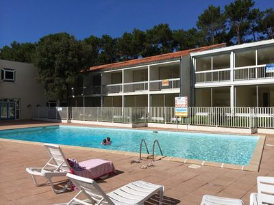 Photo for Apartment with pool and tennis, close to beach, 1 bedroom, sleeps 4